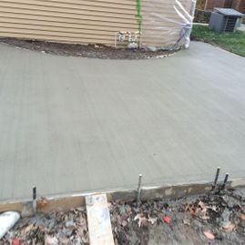 driveway being paved by Sturgeon Stone & Landscape
