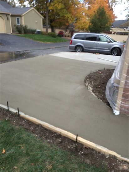 new driveway being laid by Sturgeon Stone & Landscape